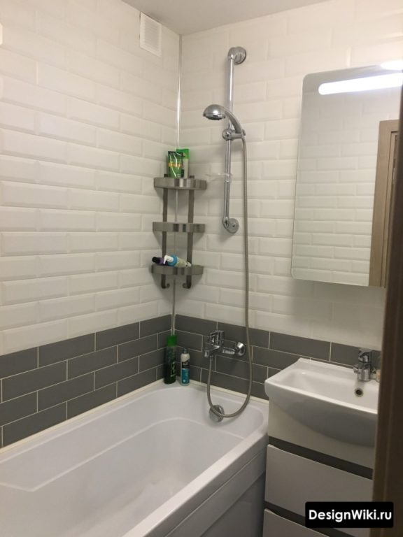 Горизонтальное разделение стены ванной в хрущевке