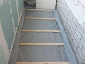 фотогалерея Подготовка пола на балконе в хрущевке - фото 1